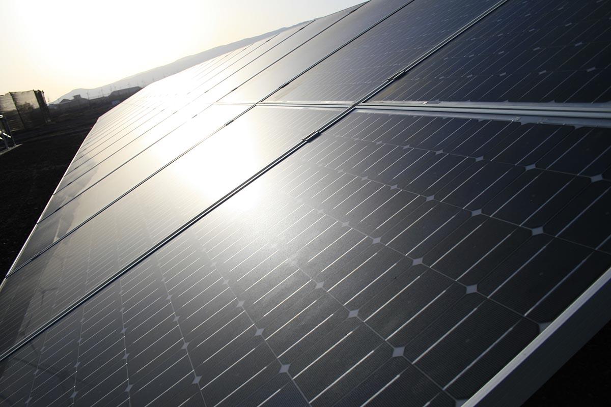 Paneles Solares y Drones: Termografía aérea aplicada