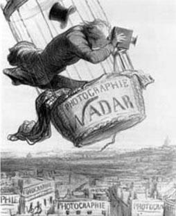 """Nadar """"elevando la fotografía a la condición de arte"""", caricatura por Honoré Daunier. Publicada en Le Boulevard, 25 de Mayo de 1862."""