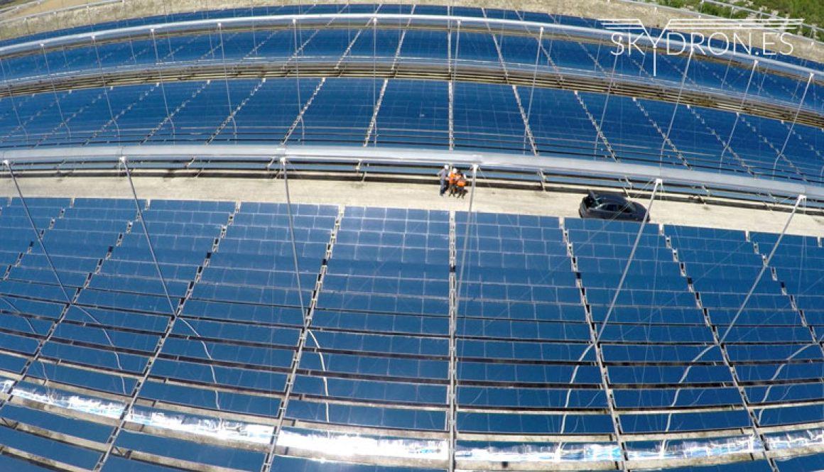 Primera revisión de planta termosolar con drones en España