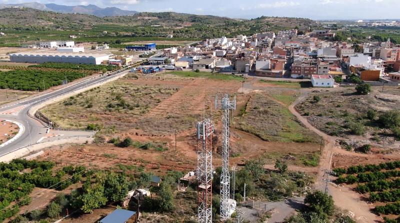 Revisión de torres de comunicación y otras construcciones civiles en altura con drones.